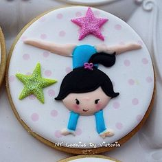 This ( Cookie ) ❤️I am posting all these Girls One by One because I really Love all of them ❤️ Cut Out Cookies, Fun Cookies, Cupcake Cookies, Sugar Cookies, Cookies Et Biscuits, Gymnastics Birthday Cakes, Gymnastics Party, Royal Icing Cookies, Cookie Designs