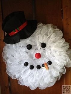 20. #Snowman Face - 55 Awesome #Wreaths to Adorn Your #Front Door ... → DIY…