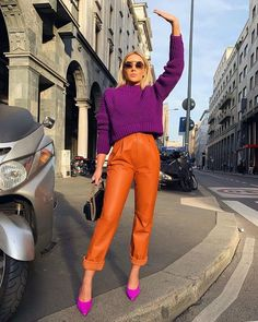 Spring 2019 Trend Hiding in Your Closet: Crayola Biggest Fashion Trends To Try In 2017 Street Style Trend Latest Casual Winter Fashion Trends Ideas 2019 Color Blocking Outfits, Color Blocking Fashion, Looks Street Style, Street Style Trends, Street Styles, New York Street Style, New York Style, Colourful Outfits, Colorful Fashion