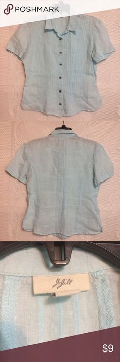 """J. Jill Linen Button Down Top Baby blue linen short sleeve collared top.  Pintuck pleats down front.  Button front closure.  Measurements laid flat:  armpit to armpit - 20.5""""; length - 23.5"""".  Excellent used condition J. Jill Tops Button Down Shirts"""