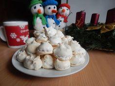 Bielkové pyšteky - Jeden zo spôsobov využitia bielkov. Ale, Christmas Ornaments, Holiday Decor, Desserts, Food, Home Decor, Storage, Tailgate Desserts, Deserts