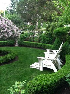 Co Cou0027s Collection : Formal Garden # Structure # Roses # Boxwood Circle  Lawn With Boxwood Borders Provide A Tranquil Resting Spot For The Weary  Visitor