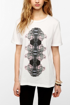 2x3 Reflected Nature Boyfriend Tee   #UrbanOutfitters