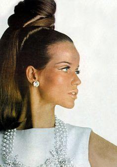 Veruschka, Vogue, 1965 **