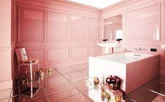 Quello che le donne vogliono.  What women want. #stiledivita #stilebagno #arredamento #pink #lusso #bathroom #bath #cool #design #bathdesign #vascadabagno #rosa www.stilebagno.com by stile_bagno