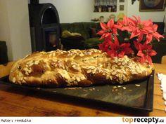 Vánočka z domácí pekárny European Countries, Dumplings, Czech Republic, Buns, Pizza, Bread, Cake, Food, Brot