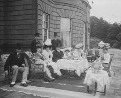 A tea party, in about outside the huge Palladian mansion of Baron Hill in Anglesey, at which an alert and bearded Edward VII looks at the photographer from among a bouquet of fragrant Edwardian ladies. Vintage Pictures, Old Pictures, Old Photos, Victorian Pictures, Vintage Tea Parties, Afternoon Tea Parties, Vintage Photographs, Historical Photos, Tea Time