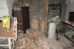 En la noche del miércoles un edificio ubicado en la Calle Villegas Nro. 5, entre Empedrado y Tejadillos, en La Habana Vieja se desplomó tras un intenso aguacero y fuetes vientos en la capital cubana. El incidente se produjo alrededor de las 7:30 de la noche. Uno de los muros de la azotea del edificio se desplomó y causando la destrucción parcial de un apartamento del primer piso y los muros de los pasillos inferiores. Según reportó Martí Noticias, hasta el momento no se han reportados…