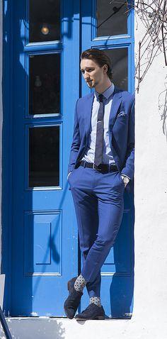 Diviértete a la hora de usar trajes, vístete como un dandy moderno.   23 Trucos de moda que todos los hombres estilosos deben probar