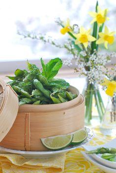 Mint and Lime Edamame.My favorite snack! Edamame, Skinny Recipes, Vegan Recipes, Acid And Alkaline, Acidic Foods, Vegan Appetizers, Vegan Vegetarian, Vegan Food, Edible Flowers