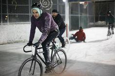 Vidéo le Roi de Glace sur les rideurs de Toronto sur fixie-singlespeed.com Toronto, Bicycle, Veil, Urban Bike, Ride A Bike, King, Ice, Bike, Bicycle Kick