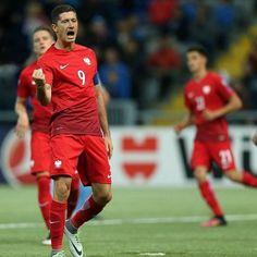 Robert Lewandowski znowu zrobił kawał dobrej roboty • Brawo Robert Lewandowski - Polska Rumunia • Nie spodziewałem się że • Zobacz >> #lewandowski #football #soccer #sports #polska #memy #pilkanozna #futbol #smieszne