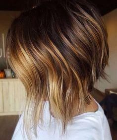dunkle und Toffee-Balayage kurze Haare