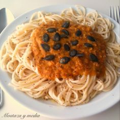 Mostaza y media: Espagueti de mijo con boloñesa de calabaza
