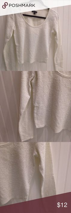 American Eagle Soft Sexy Crop Long Sleeve Top Sz M American Eagle Soft Sexy Scoop Cream Off White Colored Floral Cut Out Cropped Long Sleeve Top   Great Condition.  Size Medium. American Eagle Outfitters Tops Crop Tops