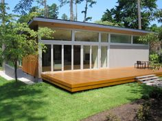 love this look. would make a nice passive solar southern exposure.