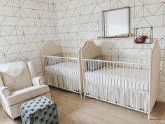 23 of Our Editors' Favorite Twin Nurseries | The Everymom Nursery Twins, Baby Nursery Decor, Baby Bedroom, Project Nursery, Twin Baby Girls, Twin Mom, Twin Babies, Twin Cribs, Twin Nurseries
