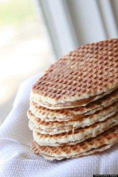 """Sinful Southern Sweets: Stroopwafels - I am definitely making these! -actually pretty easy to make! Not a whole lot of clean up or mess. Note: make the waffles, cut them open, then make the """"stroop"""". Waffle Recipes, Cookie Recipes, Snack Recipes, Dessert Recipes, Yummy Recipes, Waffle Recipe Without Butter, Beignets, Stroopwafel Recipe, British Baking"""