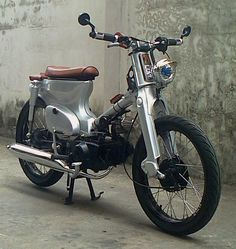 Retro Scooter, Scooter Motorcycle, Moto Bike, Motorcycle Clubs, Motorcycle Outfit, C90 Honda, Honda Cub, Scooters, Honda Cycles