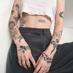 Dainty Tattoos, Pretty Tattoos, Beautiful Tattoos, Small Tattoos, Cool Tattoos, Tatoos, Creative Tattoos, Rebellen Tattoo, Grunge Tattoo