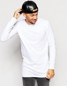 T-Shirt von Jack & Jones weiches Jersey Rundhalsausschnitt Stufensaum langer Schnitt länger als reguläre Länge Maschinenwäsche 100% Baumwolle Unser Model trägt Größe M und ist 185,5 cm/6 Fuß, 1 Zoll groß