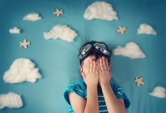 5 overlooked signs of childhood anxiety http://blogs.psychcentral.com/anxious-kids/2016/03/missed-signs-child-anxiety/