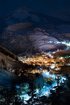A village in the Dolomites, Italy /// #wanderlust #travel