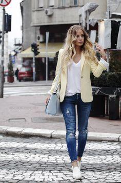 Spring Outfit - Tatjana wearing a Zara Total Look.