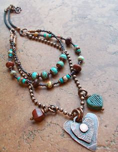 I am a fan of hearts and love the boho easy look to this necklace. Metal Jewelry, Beaded Jewelry, Unique Jewelry, Jewelry Necklaces, Jewelry Design, Geek Jewelry, Gothic Jewelry, Boho Necklace, Fashion Necklace