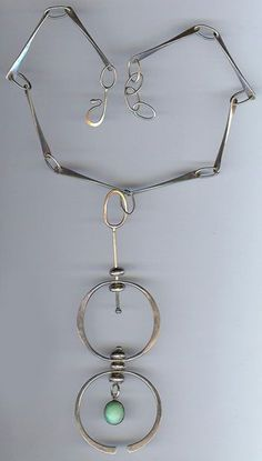 GREAT VINTAGE MODERNIST STERLING SILVER DOUBLE CIRCLES TURQUOISE NECKLACE: