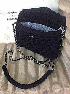Bolso negro de trapillo by Crochet o ganchillo