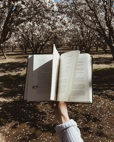 book for anxiety – Books – Fotografie Book Aesthetic, Aesthetic Photo, Aesthetic Pictures, Finding Happiness, Coffee And Books, Angst, Book Photography, Love Book, Bookstagram