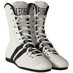 LINK: http://ift.tt/2oCCcYz - STIVALETTI BOXE CL186 #sport #boxeeartimarziali #accessori #leone => Interamente in pelle e lavorazione artigianale per il classico - LINK: http://ift.tt/2oCCcYz