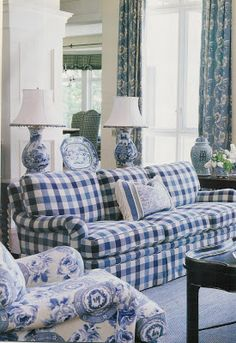 Impressive French Country Living Room Design To This Fall Ideas 41 Blue And White Living Room, Blue And White Fabric, Blue And White China, My Living Room, Living Room Decor, White Fabrics, Blue Gingham, Blue Fabric, Dark Blue