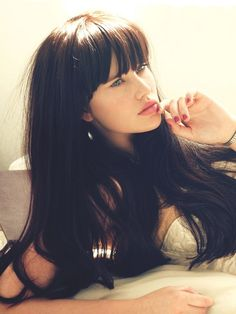 Long Bangs (model Chiano Sky Kruger)