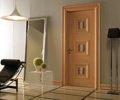 Двери из массива создают благоприятный микроклимат, придают помещению уют, комфорт и тепло