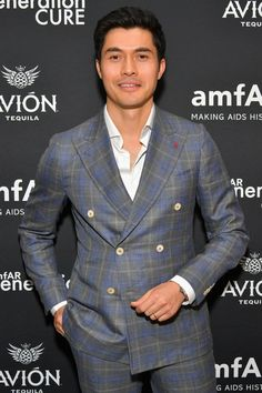 5 Facts About Crazy Rich Asians' Henry Golding That Will Make You Fall Even Harder For Him Hot Korean Guys, Korean Men, Asian Men, Asian Guys, Celebrity Look, Celebrity Crush, Magazine Man, Looking Dapper, Star Fashion