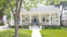 Holly Mathis Texas Bungalow - Budget Decorating Ideas