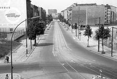 1970 Die Stresemannstrasse an der 1970 von der Wilhelmstrasse ueberbauten Einmuendung in das Hallesche Ufer in Berlin-Kreuzberg