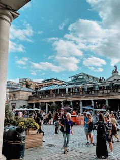 How to Spend 24 Hours in Covent Garden, London · Daisybutter Covent Garden Station, London Covent Garden, London Bookstore, Henrietta Hotel, Great Places, Places To Go, London Summer, Places In Europe, London Underground