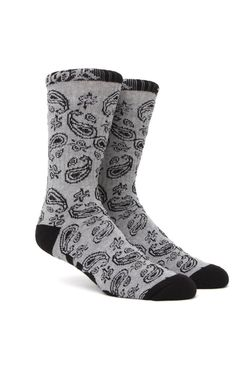 PacSun presents theDGK OG Paisley Crew Socks for men. These two tone knit men's crew socks come with a contrast toe and heel with DGK logo on top.Two tone print crew socksDGK logo on topSoft and stretchy materialMachine washable87% cotton, 10% polyester, 3% spandexImported