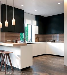 Love the bold but minimalist colour combo in the kitchen