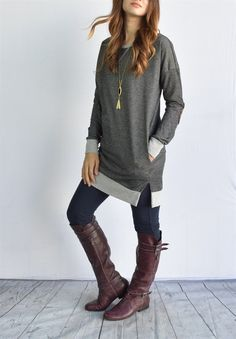"""This luxurious tunic is a comfortable classic. Pair this with tall boots and your favorite jeans!  Fits true to size model is size 4, 5'6"""" tall and she wears size small.SIZES(Fits true to size in relaxed)Small (0-4)Medium (6-8)Large (10-12)XL (14-16)60% polyester 40% cotton Made in USA"""
