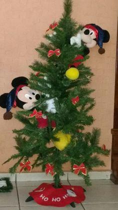 Decoração de natal . Eu fiz o gorro do Mickey