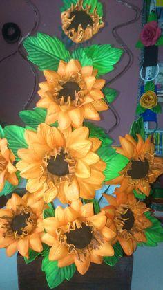 Wreaths, Halloween, Home Decor, Fake Flower Arrangements, Garden Accessories, Flower Arrangements Simple, Beautiful Roses, Jelly Beans, Gardens