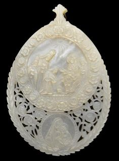 Set of Eight Carved & Pierced Christian Holy Land Mother-of-Pearl Shells - Michael Backman Ltd Mother Of Pearl Buttons, Mother Pearl, Island Crafts, Antique Fans, Religious Icons, Holy Land, Holi, Shells, Carving