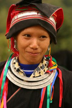 Northern Vietnam - dao man.    Dao population is over 620.000 inhabitants living together with other ethnic groups along the Sino-Vietnamese and Vietnamese-Lao borders and in some midland provinces and provinces along the coastline of northern Vietnam.