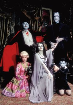 "1313 Mockingbird Lane: 38 Amazing Vintage Photos From ""The Munsters"" TV Series ~ vintage everyday The Munsters, Munsters Tv Show, Munsters House, La Familia Munster, Munster Family, Dark Romance, Lily Munster, Yvonne De Carlo, Classic Monsters"