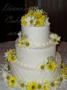 Beautiful Yellow Daisy Wedding Cake Ideas - Fashion and Wedding Daisy Wedding Cakes, Daisy Cakes, Gerber Daisies, Yellow Daisies, Our Wedding, Dream Wedding, Wedding Ideas, Wedding Stuff, Cake Decorating Tips