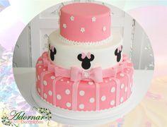 Locação de Bolo Cenográfico Minnie Mouse Rosa Bolo Fake Minie, Bolo Minnie, Minnie Mouse Cookies, Cupcake Cakes, Cupcakes, Cookie Desserts, Biscuits, Birthday Cake, Baby Shower